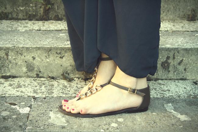 Sandali cuoio e catena