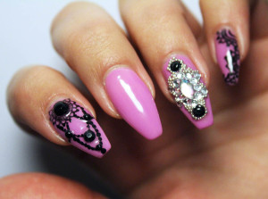 Gothic Queen Nail Art
