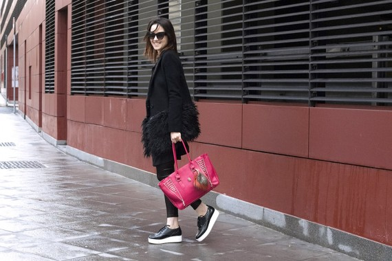 OUTFIT: TOTAL BLACK & PINK ACCENT